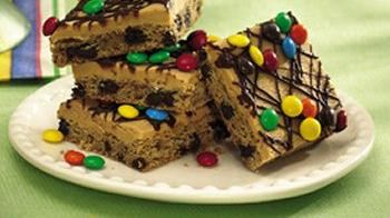 Peanut Butter-Chocolate Chip Cookie Bars (cookie dough tub)