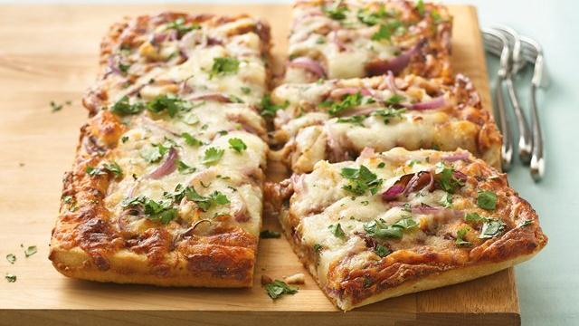 Raspberry-Chipotle Barbecue Chicken Pizza