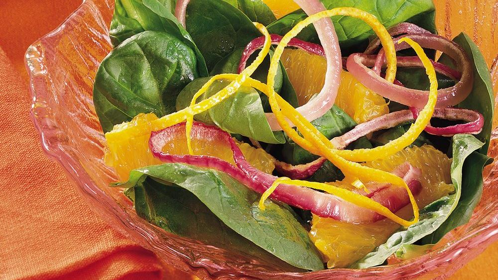 Fresh Spinach, Orange and Red Onion Salad