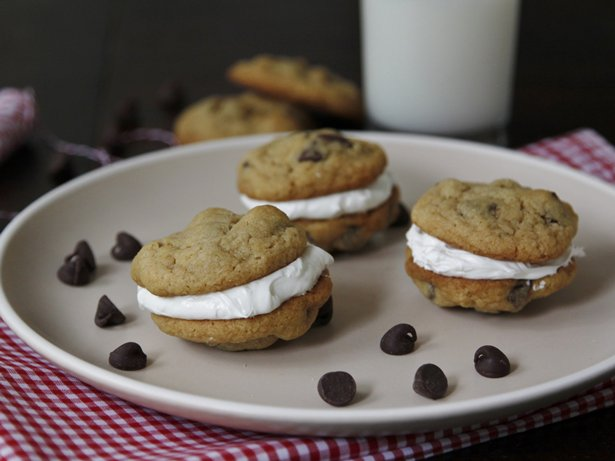 Mint-Chocolate Chip Cookie Whoopie Pies recipe from Betty Crocker