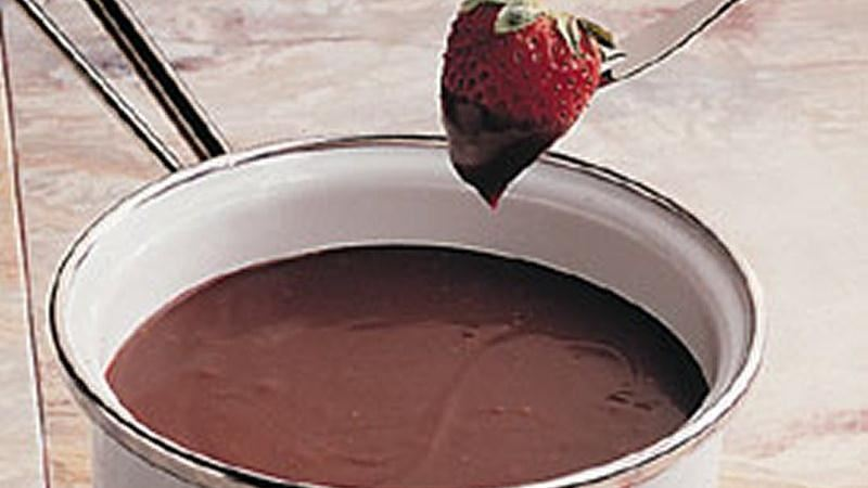 Chocolate-Sour Cream Fondue
