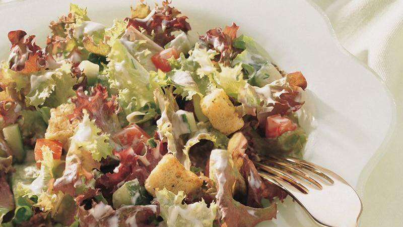 Tossed Salad with Creamy Dill Dressing