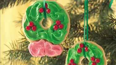 Easy Holiday Wreath Cookies