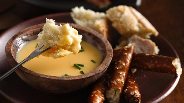 Cheesy Beer Fondue