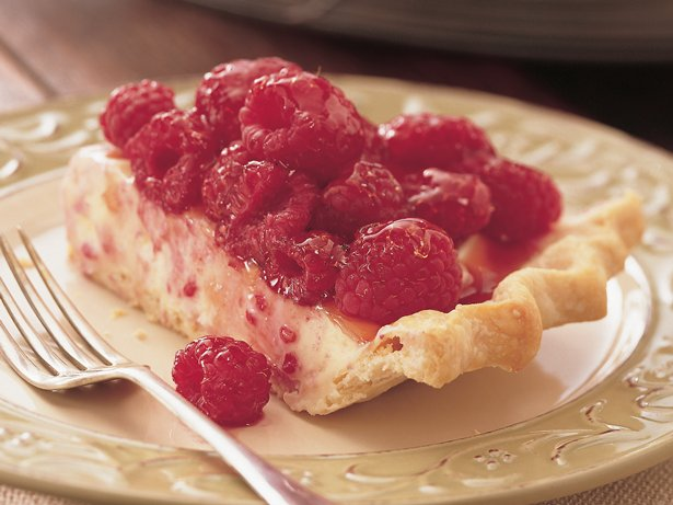 White Chocolate Mousse Raspberry Pie recipe from Betty Crocker