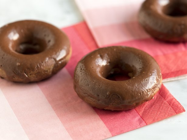 Easy Baked Chocolate Glazed Doughnuts