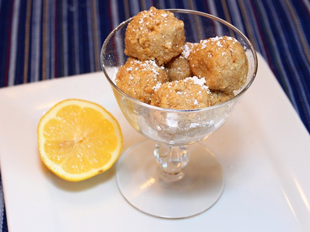 Lemon-Cheesecake Balls