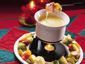 Cheese&#32;Fondue&#32;With&#32;Roasted&#32;Vegetable&#32;Dippers
