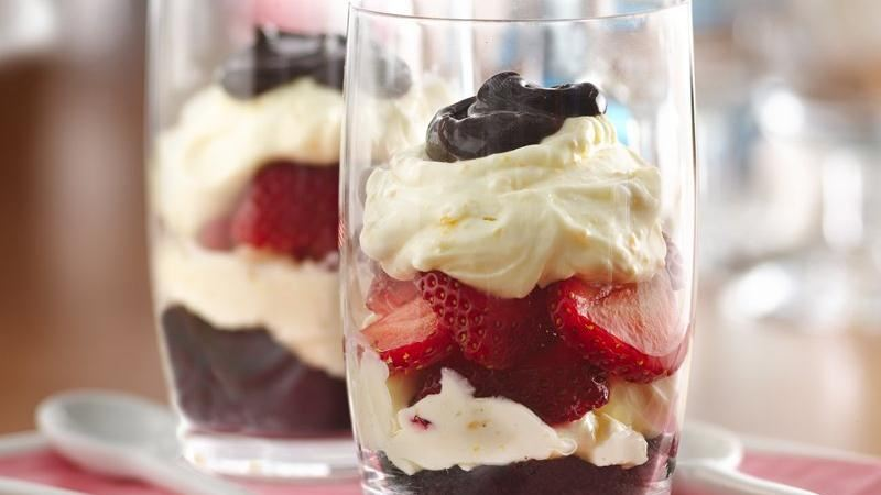 Black-Bottom Strawberry Cream Parfaits