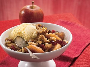 Cinnamon&#32;Apple&#32;Berry&#32;Crisp