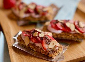 Strawberry Chocolate Granola Bars