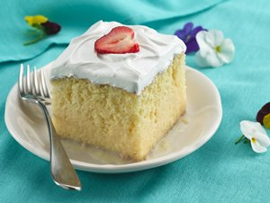 Premium&#32;Tres&#32;Leches&#32;Cake