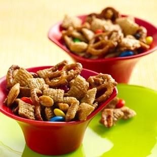 Chex™ Apple Cinnamon Sweet and Nutty Snack Mix
