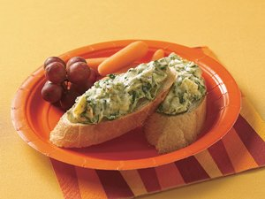 Slow Cooker Hot Artichoke and Spinach Dip