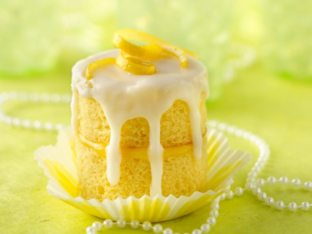 Lemon Champagne Celebration Cupcakes