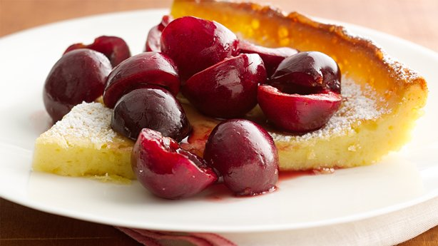 Cherry-Vanilla Dutch Pancake