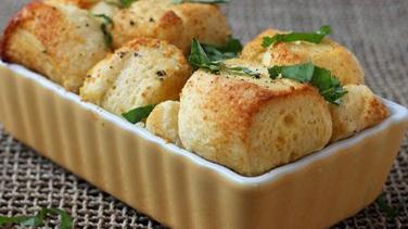Savory Parmesan-Garlic Monkey Bread