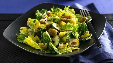 Artichoke and Mixed Greens Salad