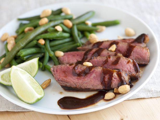 Sweet and Spicy Hoisin Steak with Green Beans