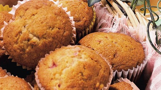 Banana-Strawberry Muffins