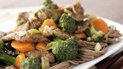 Stir-Fried Beef and Broccoli with Noodles