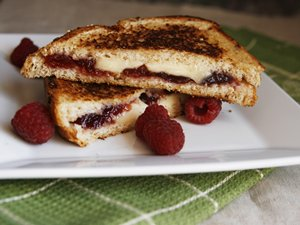 Raspberry,&#32;Brie&#32;and&#32;Blue&#32;Grilled&#32;Cheese