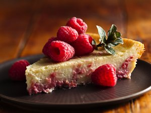 Impossibly&#32;Easy&#32;Raspberry&#32;Swirl&#32;Cheesecake