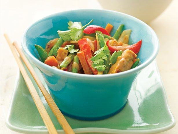 Tempeh Stir-Fry with Yogurt-Peanut Sauce