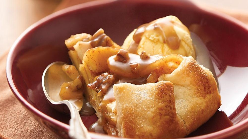 Cinnamon-Apple Pie with Caramel-Pecan Sauce recipe from Pillsbury.com