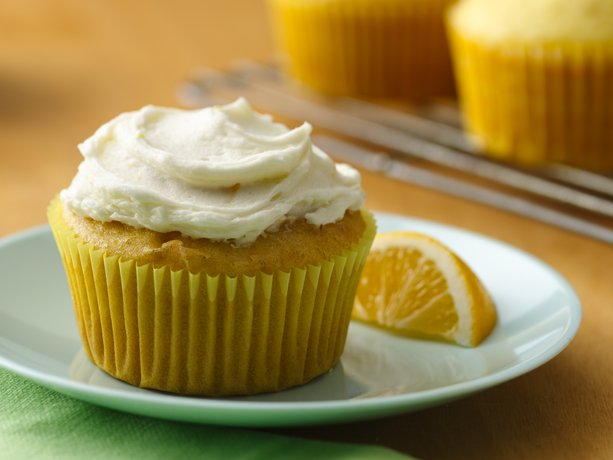 Magdalenas de limón de los Enamorados con limón Buttercream Frosting (sin gluten)
