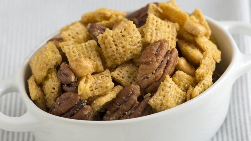Cornbread Chex Mix