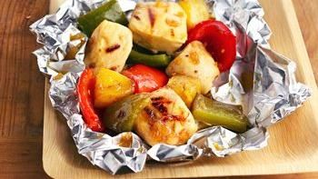 Grilled Pineapple-Chicken Foil Packets