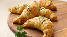 Crescent Rolls with Fresh Herbs Recipe