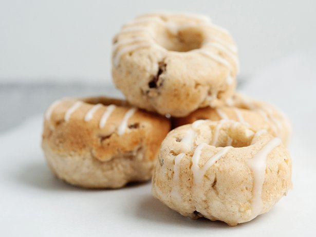 Baked Banana Nut Doughnuts with Vanilla Glaze