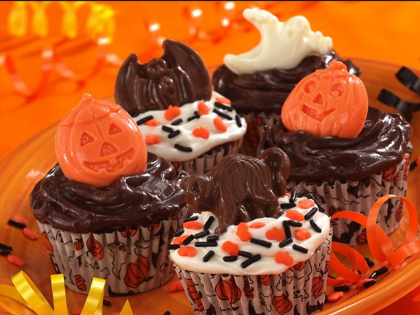 Spooky Banana-Fudge Cupcakes