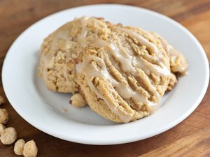 Maple-Glazed Peanut Cookies