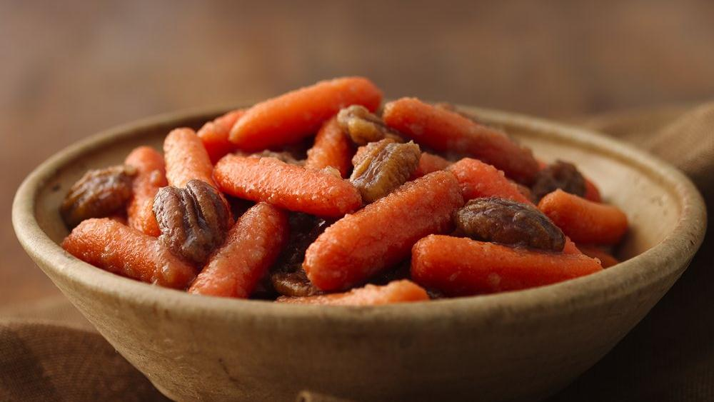 Maple 'n Applesauce Carrots with Candied Pecans