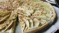 Caramel Apple Cookie Pizza Recipe