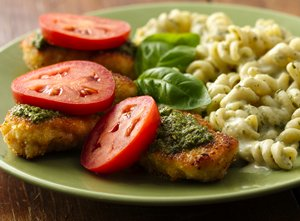 Pesto&#32;Parmesan&#32;Chicken&#32;and&#32;Pasta