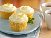 Creamy Dreamy Lemonade Cupcakes