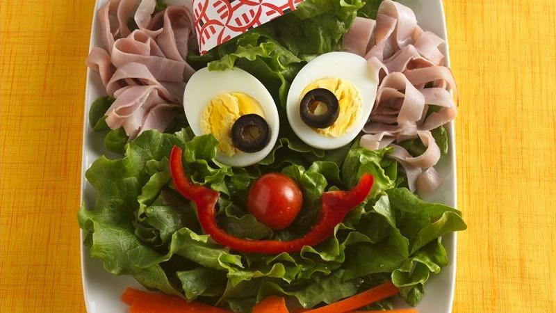 Clown Face Salad