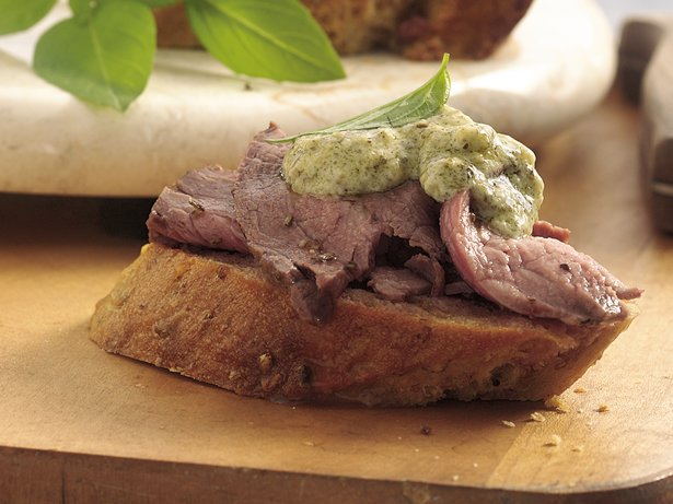 Beef Crostini with Pesto Mayonnaise
