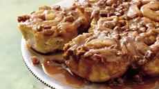Easy Caramel Sticky Rolls Recipe