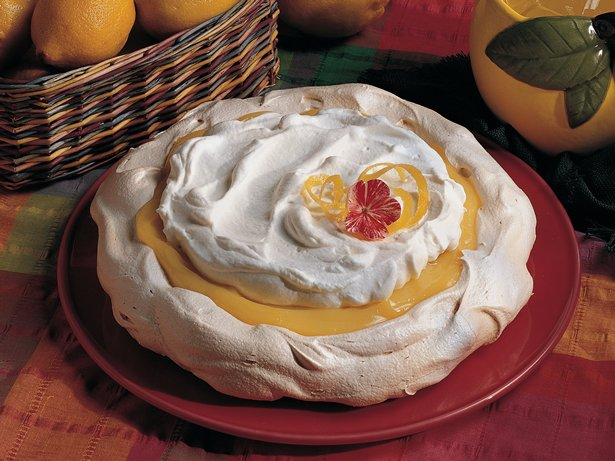 Lemon Schaum Torte 