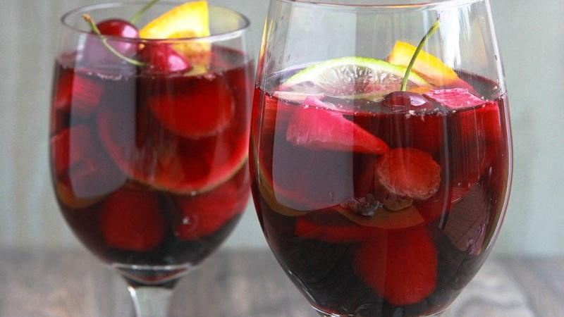 Summer Fruit Sangria Sparkler