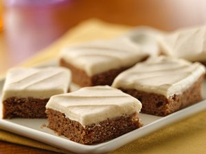 Carrot&#32;Cake&#32;Bars&#32;with&#32;Cinnamon-Cream&#32;Cheese&#32;Frosting