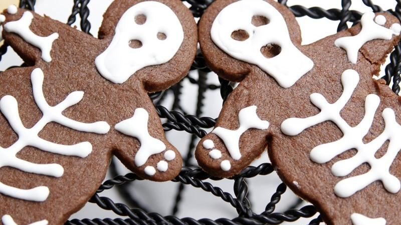 Spooky Skeleton Cookies