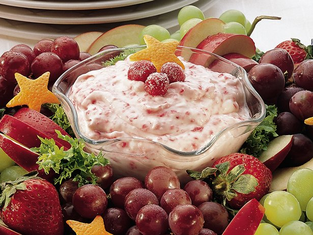 Cranberry Fluff Fruit Dip with Fruit Wreath