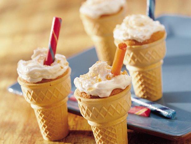 Los conos de color naranja pastel de Soda