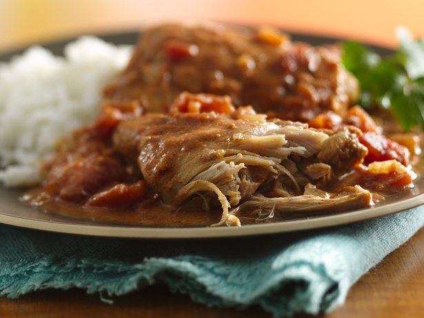 Slow Cooker Spicy Chicken in Peanut Sauce